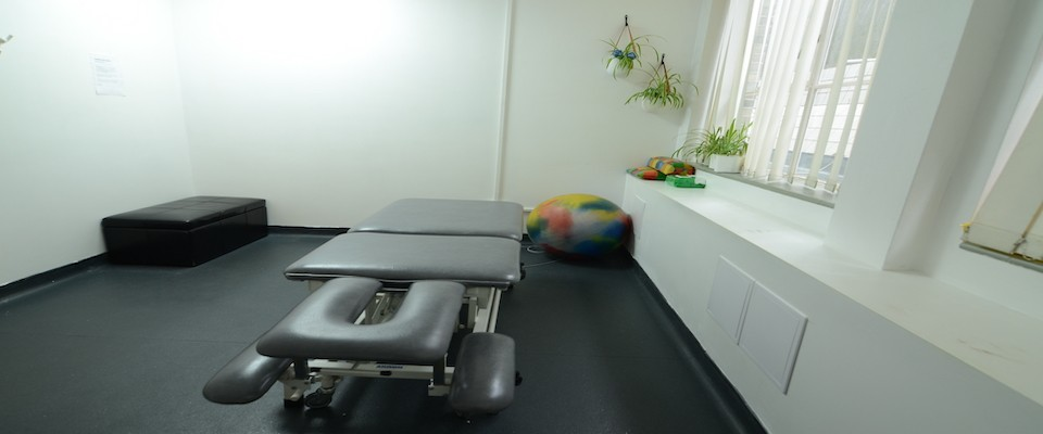 Highly recommendedQualified, experienced, passionateSports Massage clinic is based in the City of London close to Liverpool Street, Bank, Moorgate and Barbican Tube stops. After 15 years in the City, we understand the impact of a desk job in a sports and non-sports environment. We play sport to a high level, giving us a good understanding of your injuries.